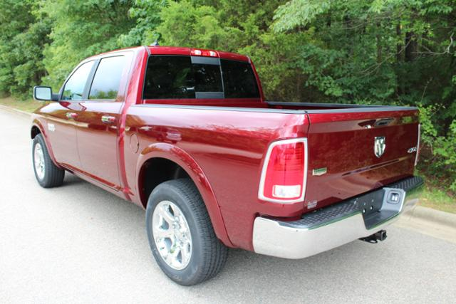2017 Ram 1500 Crew Cab 4x4 Pickup #ND7113 - photo 2