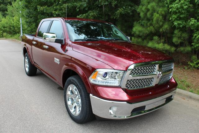 2017 Ram 1500 Crew Cab 4x4 Pickup #ND7113 - photo 8