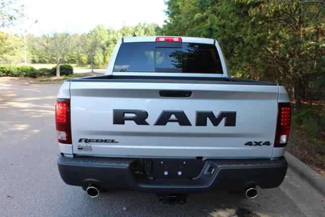 2017 Ram 1500 Crew Cab 4x4 Pickup #ND7287 - photo 4