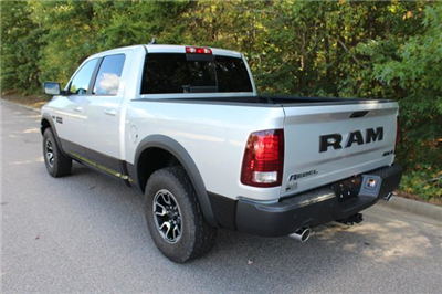 2017 Ram 1500 Crew Cab 4x4 Pickup #ND7287 - photo 2