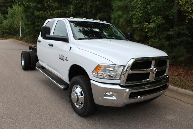 2018 Ram 3500 Crew Cab DRW 4x4, Cab Chassis #ND7291 - photo 11