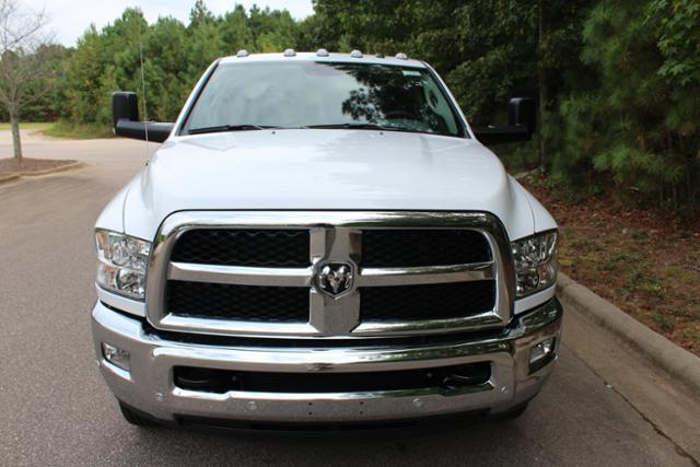 2018 Ram 3500 Crew Cab DRW 4x4 Cab Chassis #ND7291 - photo 12