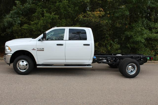 2018 Ram 3500 Crew Cab DRW 4x4, Cab Chassis #ND7291 - photo 3