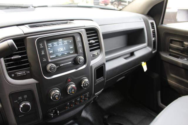 2018 Ram 3500 Crew Cab DRW 4x4 Cab Chassis #ND7291 - photo 24