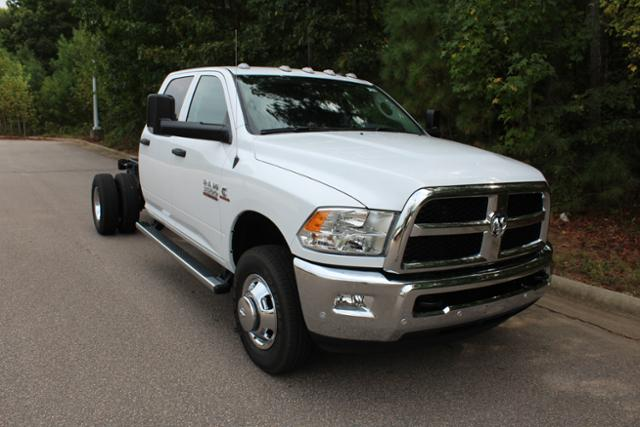 2018 Ram 3500 Crew Cab DRW 4x4, Cab Chassis #ND7291 - photo 27