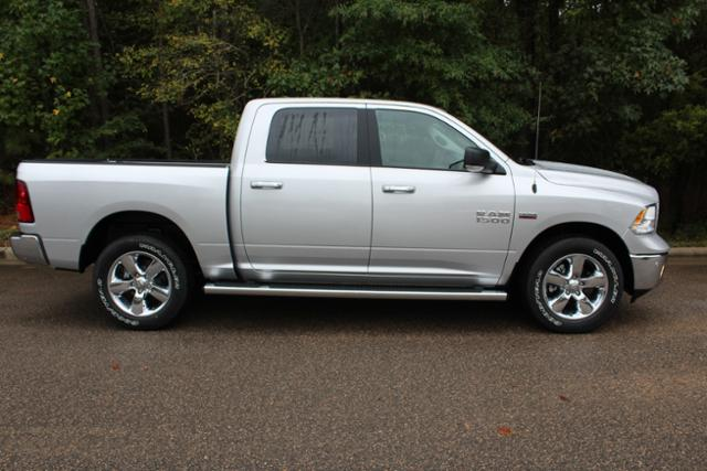 2018 Ram 1500 Crew Cab 4x4, Pickup #ND7332 - photo 9