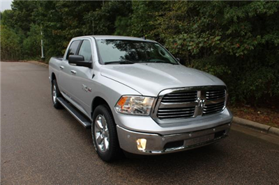 2018 Ram 1500 Crew Cab 4x4, Pickup #ND7332 - photo 10