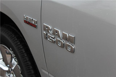 2018 Ram 1500 Crew Cab 4x4, Pickup #ND7332 - photo 7