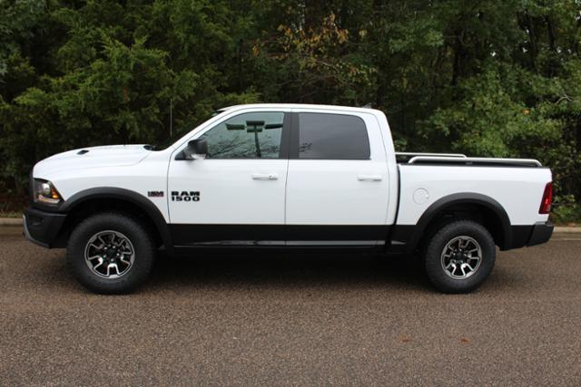 2018 Ram 1500 Crew Cab 4x4 Pickup #ND7365 - photo 3