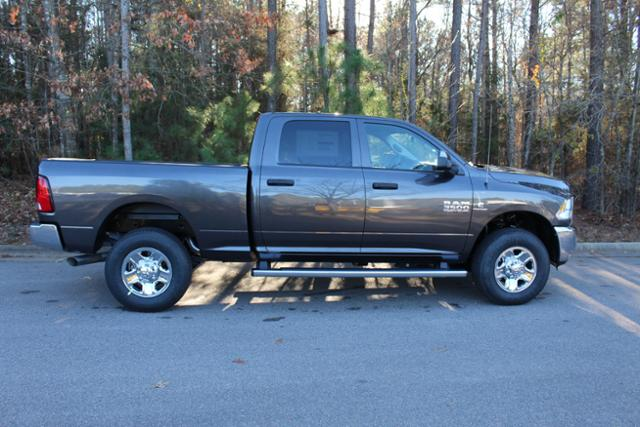 2018 Ram 3500 Crew Cab 4x4 Pickup #ND7467 - photo 10