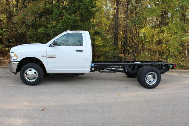 2018 Ram 3500 Regular Cab DRW Cab Chassis #ND7483 - photo 3
