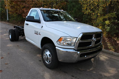 2018 Ram 3500 Regular Cab DRW Cab Chassis #ND7483 - photo 22
