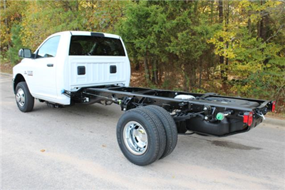 2018 Ram 3500 Regular Cab DRW Cab Chassis #ND7483 - photo 2