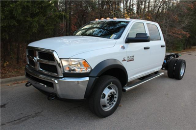2018 Ram 5500 Crew Cab DRW 4x4 Cab Chassis #ND7484 - photo 1