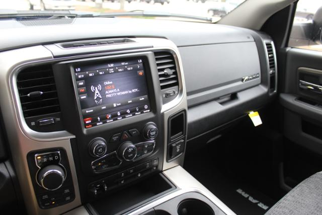 2018 Ram 1500 Crew Cab 4x4, Pickup #ND7827 - photo 24