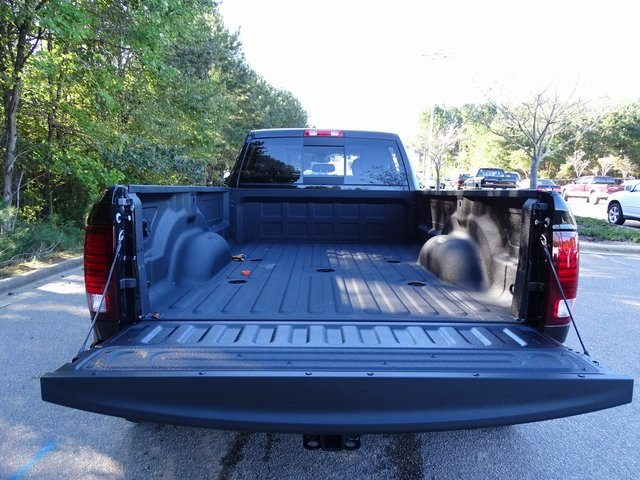 2018 Ram 3500 Crew Cab DRW 4x4,  Pickup #ND8107 - photo 9