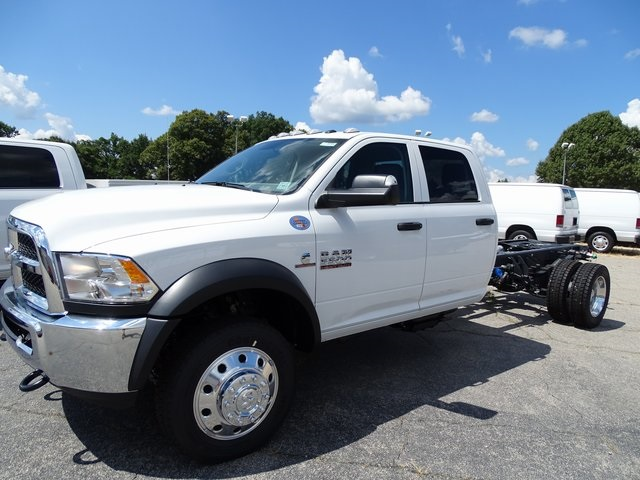 2018 Ram 5500 Crew Cab DRW 4x4,  Cab Chassis #ND8244 - photo 13