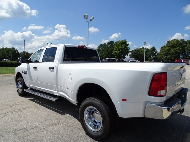 2018 Ram 3500 Crew Cab DRW 4x4,  Pickup #ND8259 - photo 4