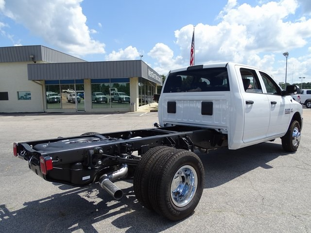 2018 Ram 3500 Crew Cab DRW 4x4,  Cab Chassis #ND8291 - photo 2