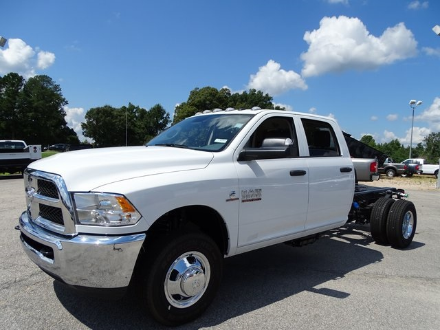 2018 Ram 3500 Crew Cab DRW 4x4,  Cab Chassis #ND8291 - photo 14