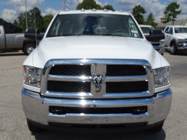 2018 Ram 3500 Crew Cab DRW 4x4,  Cab Chassis #ND8291 - photo 3