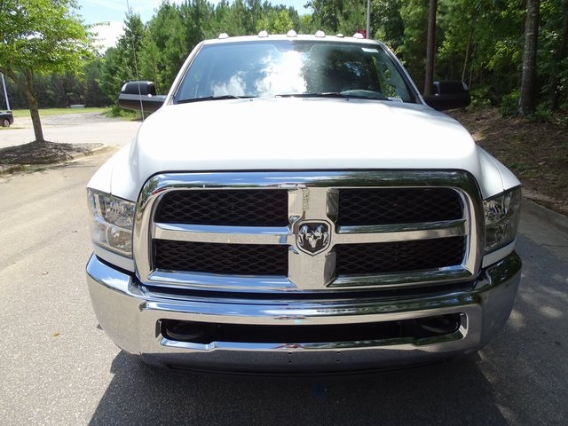 2018 Ram 3500 Regular Cab DRW 4x4,  Cab Chassis #ND8393 - photo 3