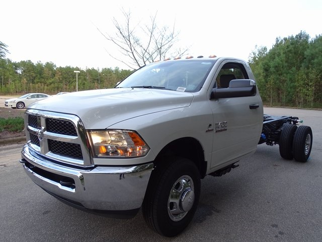 2018 Ram 3500 Regular Cab DRW 4x2,  Cab Chassis #ND8442 - photo 10