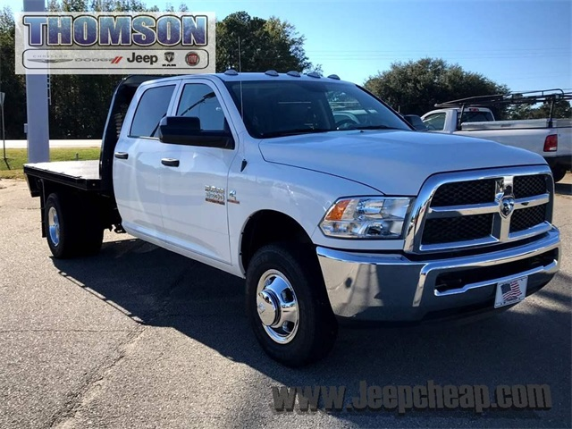 2017 Ram 3500 Crew Cab DRW 4x4 Platform Body #2171321 - photo 4