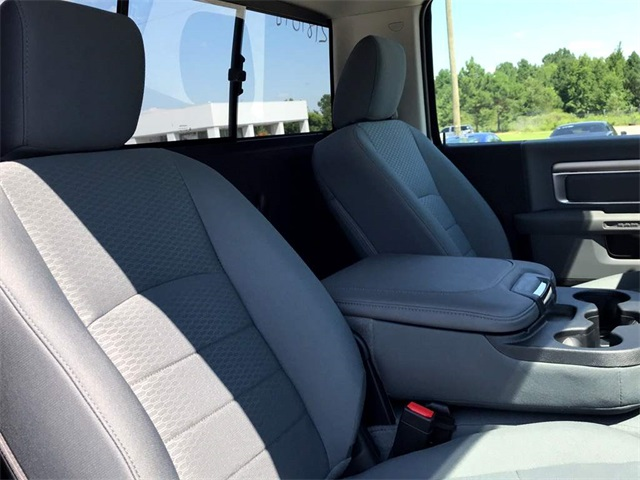 2018 Ram 3500 Regular Cab DRW 4x4,  Pickup #2181098 - photo 9