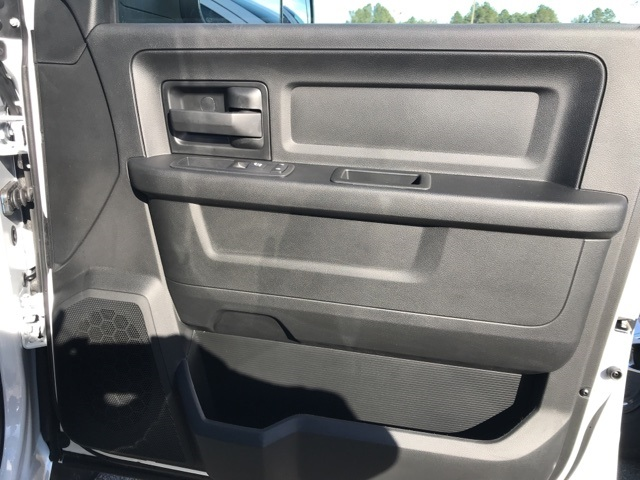 2018 Ram 3500 Crew Cab DRW 4x2,  Platform Body #2181452 - photo 11
