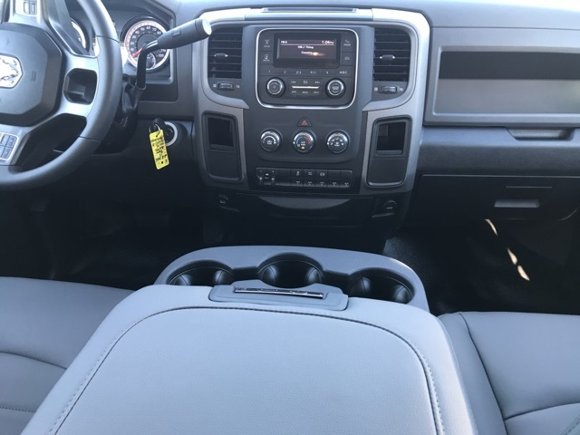2018 Ram 3500 Crew Cab DRW 4x2,  Platform Body #2181452 - photo 13