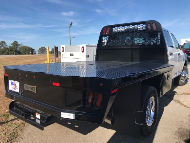 2018 Ram 3500 Crew Cab DRW 4x2,  Platform Body #2181452 - photo 17
