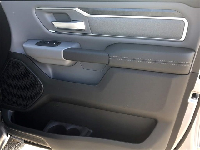 2019 Ram 1500 Crew Cab, Pickup #219008 - photo 17
