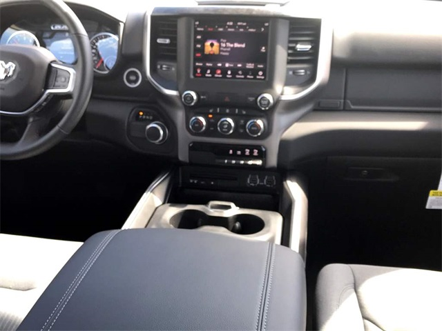 2019 Ram 1500 Crew Cab, Pickup #219008 - photo 7