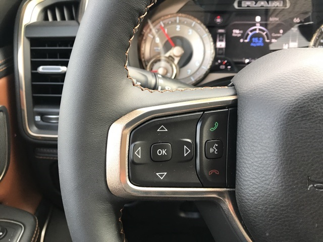 2019 Ram 1500 Crew Cab 4x2,  Pickup #219360 - photo 6