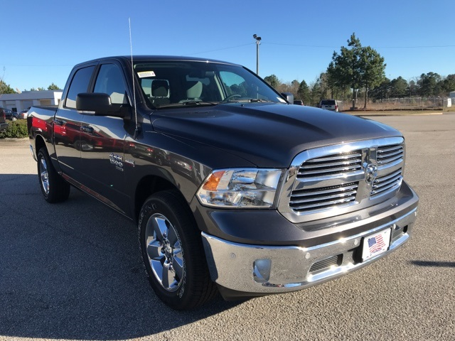 2019 Ram 1500 Crew Cab 4x2,  Pickup #219367 - photo 4