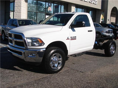 2017 Ram 3500 Regular Cab 4x4 Cab Chassis #D17148 - photo 3