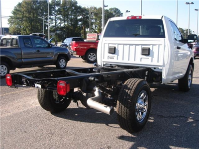 2017 Ram 3500 Regular Cab 4x4 Cab Chassis #D17148 - photo 7