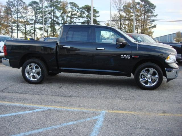 2017 Ram 1500 Crew Cab 4x4, Pickup #D17722 - photo 22