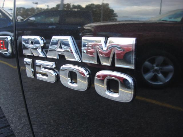 2017 Ram 1500 Crew Cab 4x4, Pickup #D17722 - photo 25