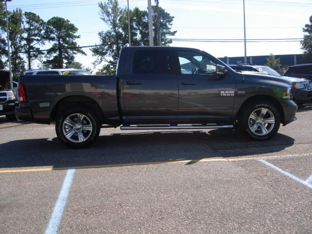 2018 Ram 1500 Crew Cab 4x4 Pickup #D18024 - photo 20