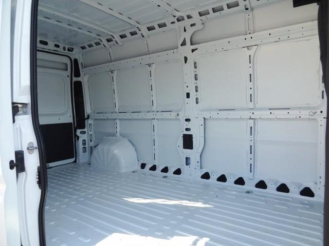 2018 ProMaster 2500 High Roof, Cargo Van #D18241 - photo 9