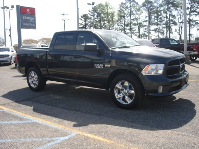 2018 Ram 1500 Crew Cab 4x4,  Pickup #D18323 - photo 5