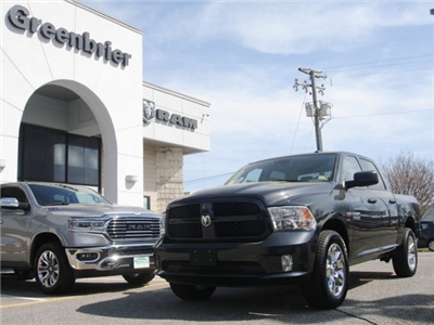 2018 Ram 1500 Crew Cab 4x4,  Pickup #D18323 - photo 1