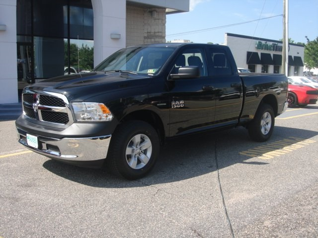 2018 Ram 1500 Quad Cab 4x4,  Pickup #D18386 - photo 3
