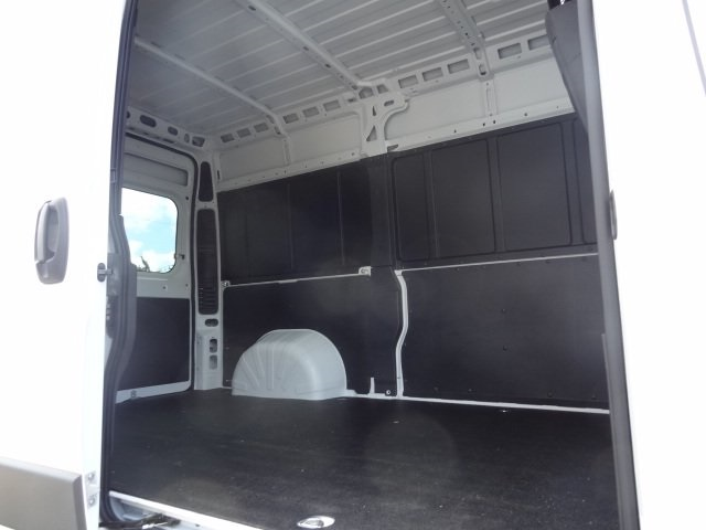 2018 ProMaster 2500 High Roof FWD,  Empty Cargo Van #D18470 - photo 10