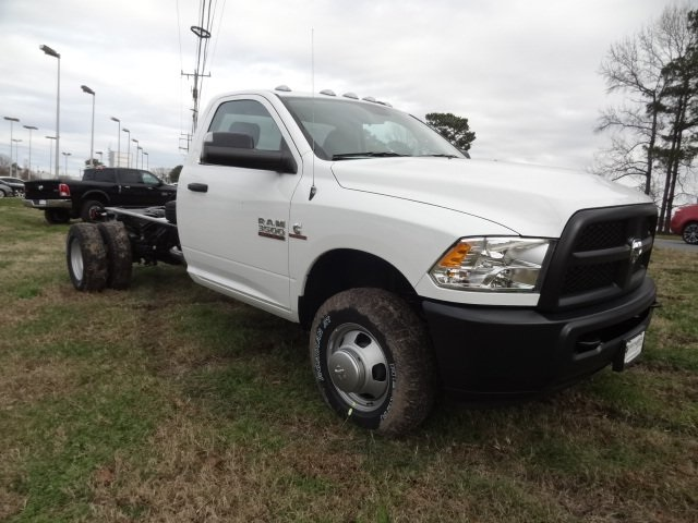 2018 Ram 3500 Regular Cab DRW 4x4,  Cab Chassis #D18547 - photo 4