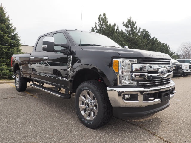2017 F-250 Crew Cab 4x4 Pickup #IVV2296 - photo 4