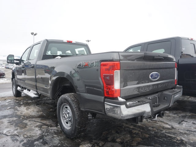 2018 F-250 Crew Cab 4x4, Pickup #IXX1234 - photo 2