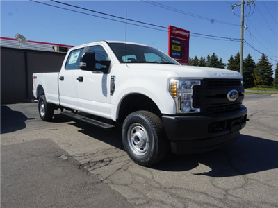 2018 F-250 Crew Cab 4x4, Pickup #IXX2085 - photo 4